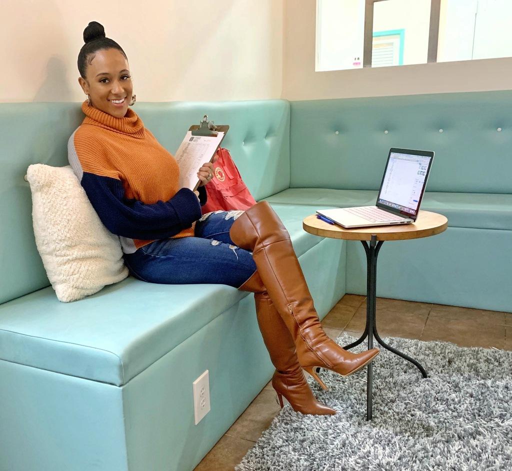 Rhonda Saunders - Entrepreneur, Synergy Suites Salon, salon owner, atlanta, landmark , synergy suites owner